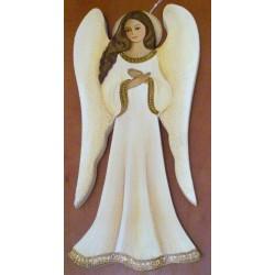 Anioł ze złożonymi rękami