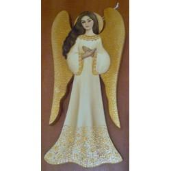 Anioł z brązowymi skrzydłami