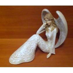 Figurka - Anioł siedzący