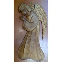 Płaskorzeźba drewniana - Anioł modlący się (28 x 13 cm)